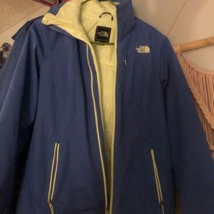 great condition northface jacket! periwinkle&green